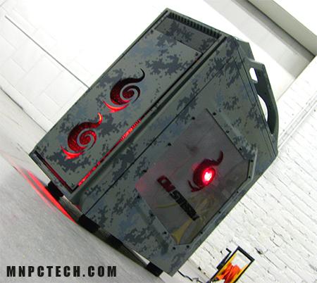 Общий вид моддинг проекта Digital Camo. Обратите внимание на логотипы Cooler Master Storm и то, как они вписываются в общий внешний вид моддинг проекта