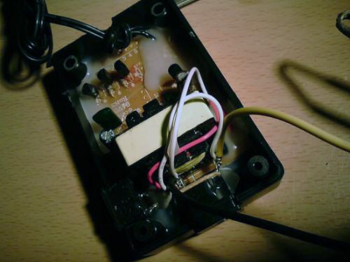 Подпаиваем к инвертору Molex коннектор