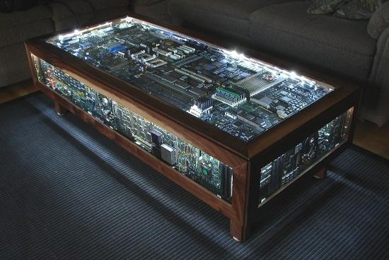 Моддинговый стол со включенной подсветкой